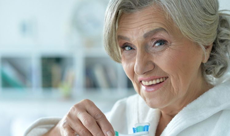 Dentista en Alcorcón y Móstoles - Clínica Stoma - El flúor en los adultos