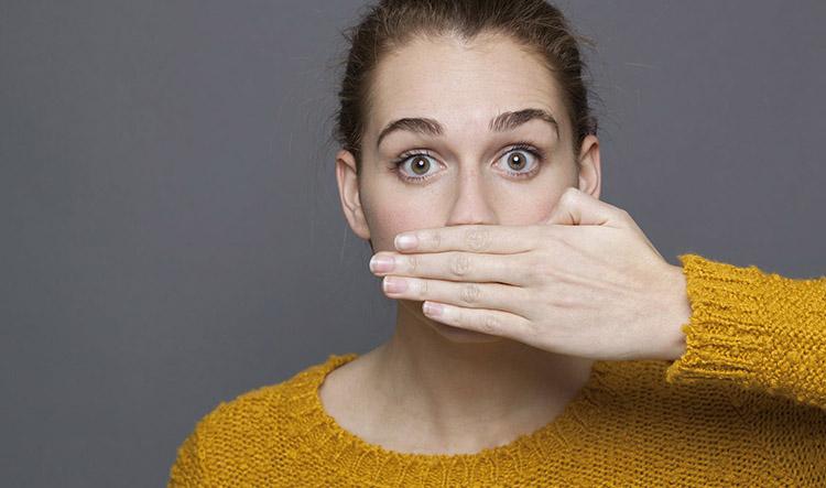 Dentista en Alcorcón y Móstoles - Clínica Stoma - Remedios al mal aliento