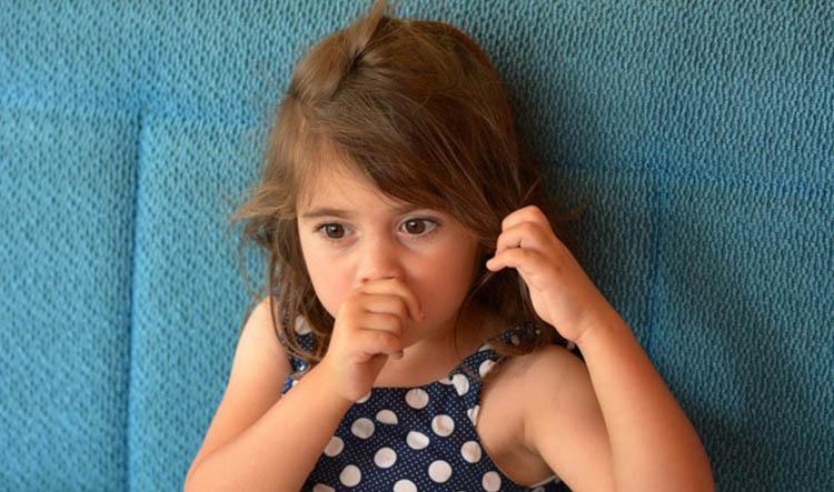 Dentista en Alcorcón y Móstoles - Clínica Stoma - La succión del pulgar en niños