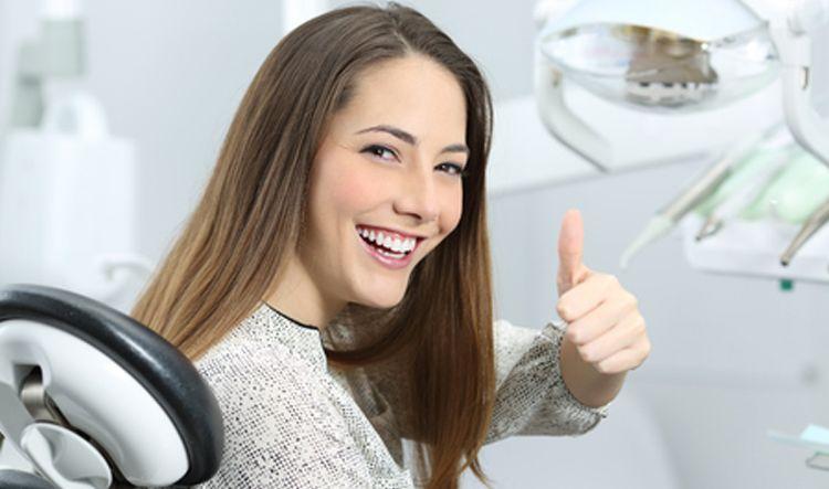 Dentista en Alcorcón y Móstoles - Clínica Stoma - Cómo escoger una clínica de implantes dentales