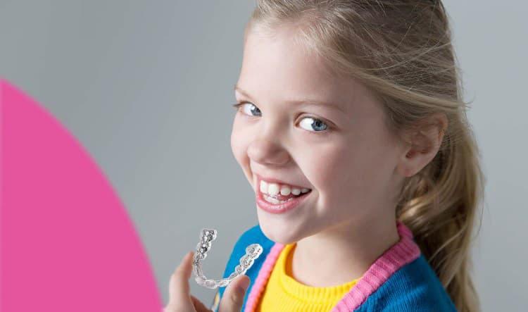 Clínica dental en Móstoles y en Alcorcón - Stoma - Anuncio otoño ortodoncia para niños