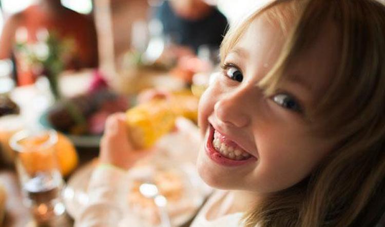 Como aproveitar as refeições de Natal e manter a saúde bucal