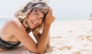 Estética dental en Alcorcón y Móstoles - Clínica Stoma - mostrar la sonrisa sin mascarilla anticontagios